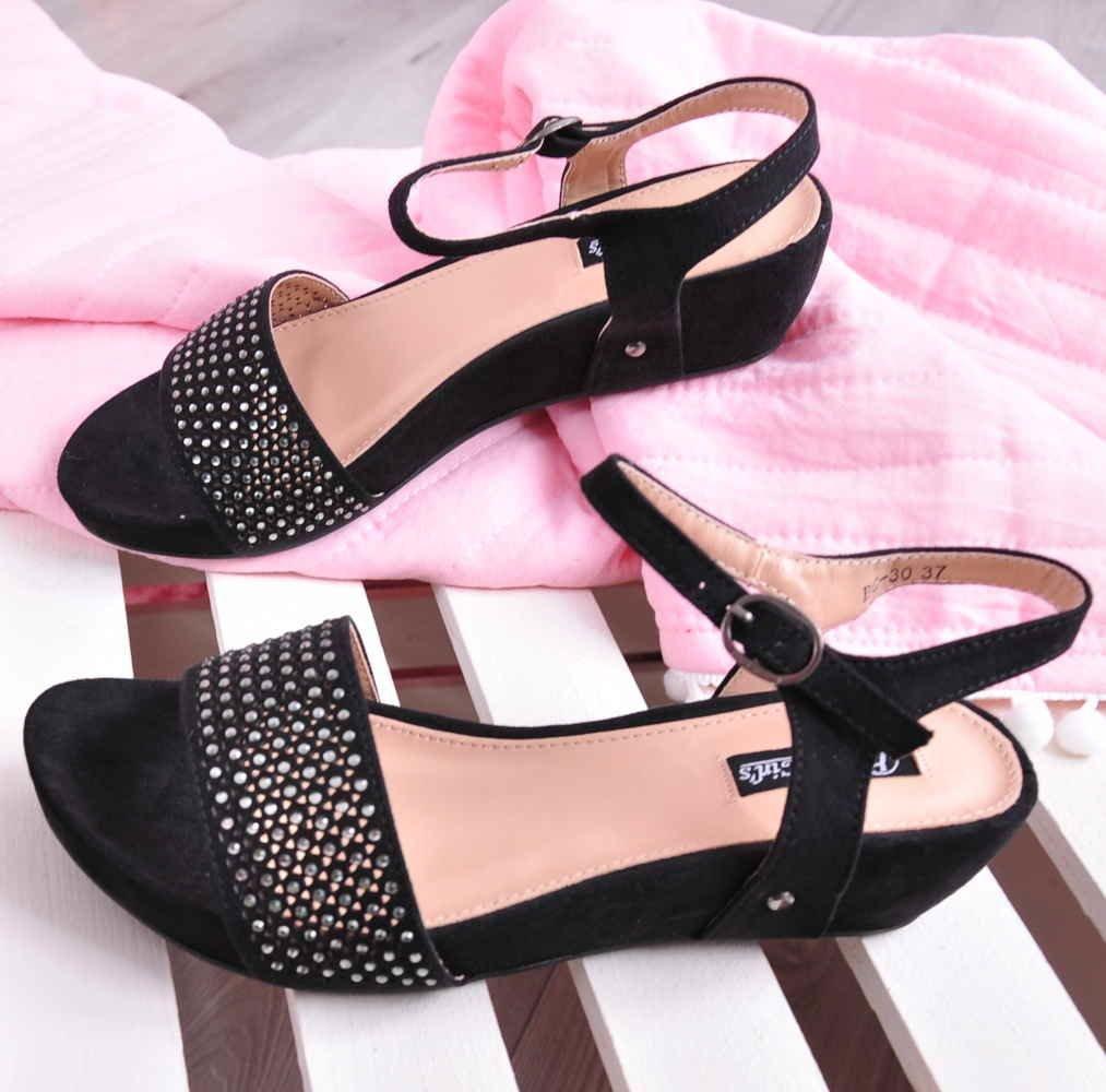 2d1fcf3b Czarne sandały na niskim koturnie /C7-1 Ae409 S231/   Pantofelek24.pl