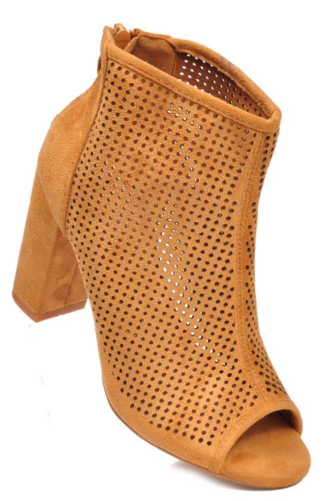 e0799b8698c88 Ażurowe botki damskie na słupku CAMEL /D1-3 2890 S713/ | Pantofelek24.pl