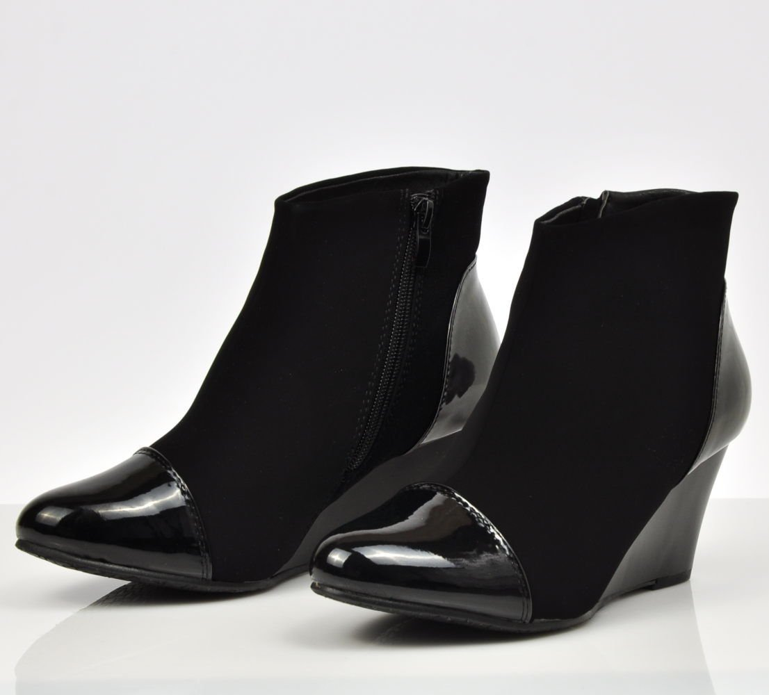 2af0f8e790cd6 Eleganckie czarne botki na koturnie /B2-1 2746 S392/ | Pantofelek24.pl