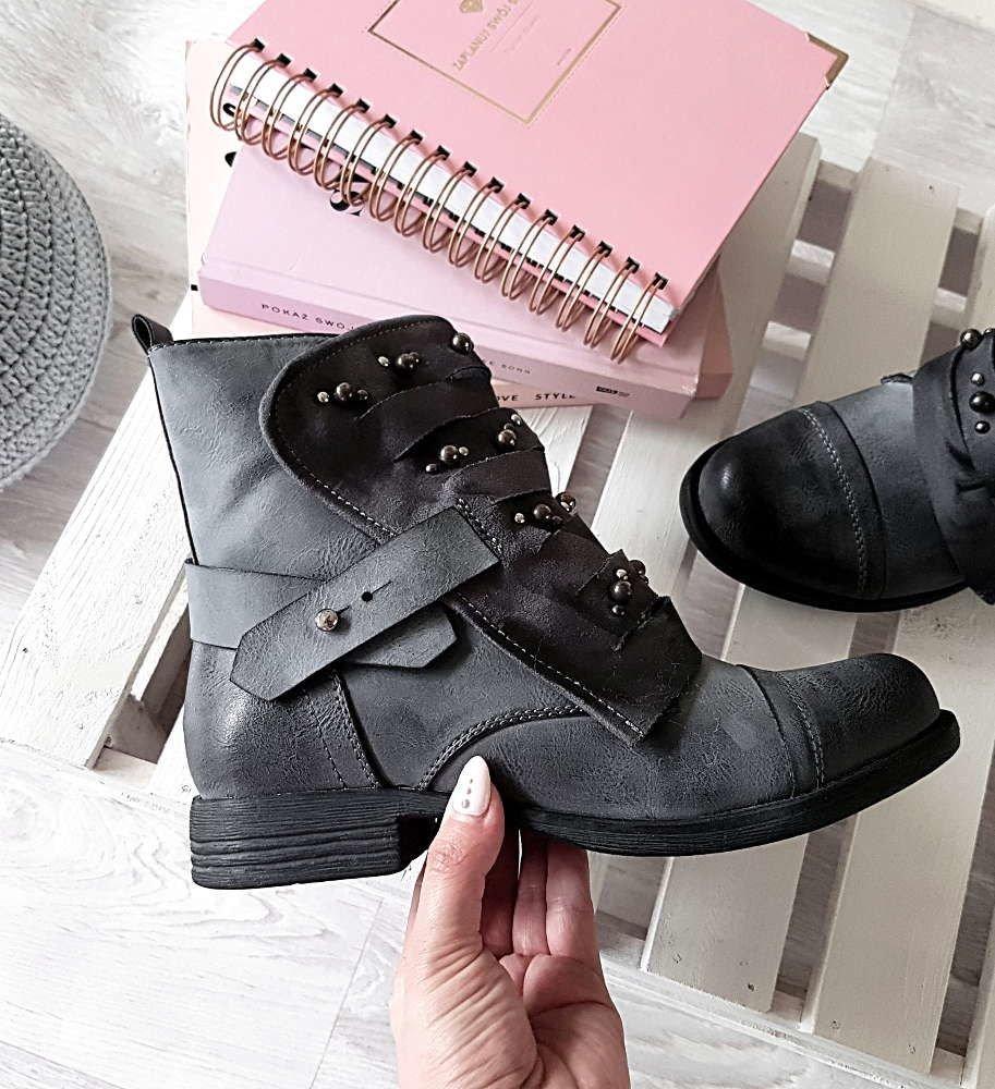 1b096b87a0ee2 Uwagę zwraca idealnie wyważona forma oraz ponadczasowy design. Buty są  eleganckie a zarazem nad wyraz praktyczne.