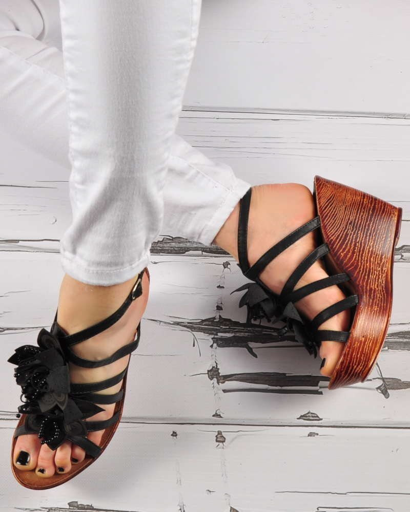 6ac852ed ... Czarne sandały na koturnie i platformie /E5-3 3413 S191/ ...
