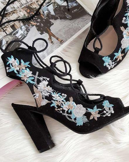 ecc597e4 Czarne sandały z haftem Lace Up na słupku /G10-1 3057 S254/