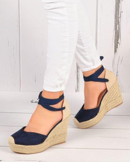 8ce13c47 Granatowe sandały na koturnie i platformie /C5-2 3561 S492/