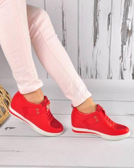 b63ac8e6d8d02c Wsuwane trampki sneakersy na niskim koturnie CZERWONE /E1-3 3643S199/