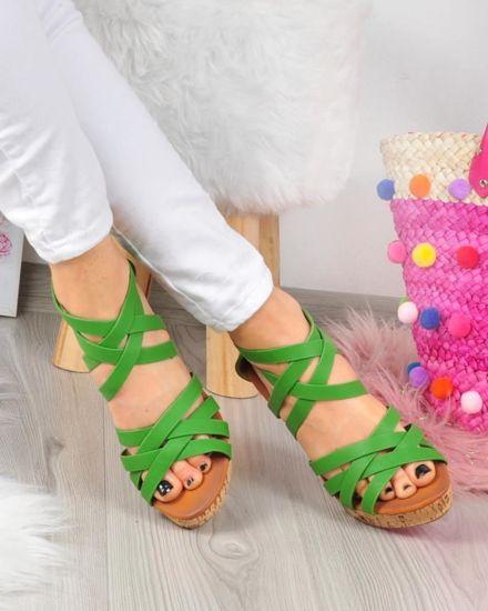 8e307351 Zielone sandały na koturnie i platformie /G11-2 3347 S029/